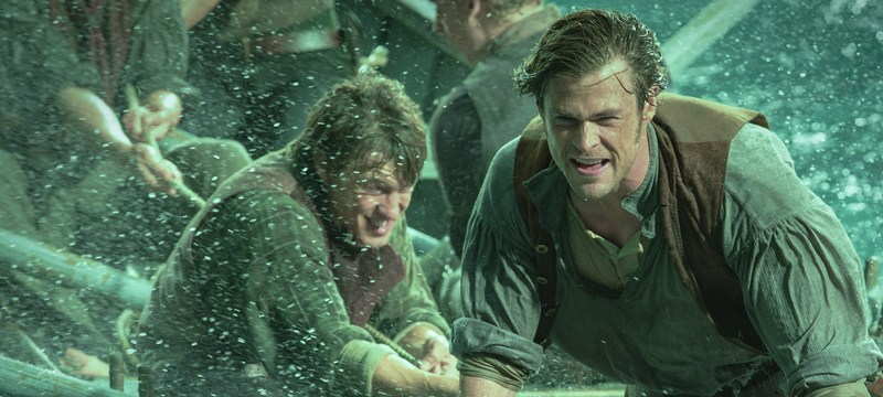In The Heart Of The Sea HANDOUT Filmstill L-R Sam Keeley as Ramsdell and Chris Hemsworth as Owen Chase