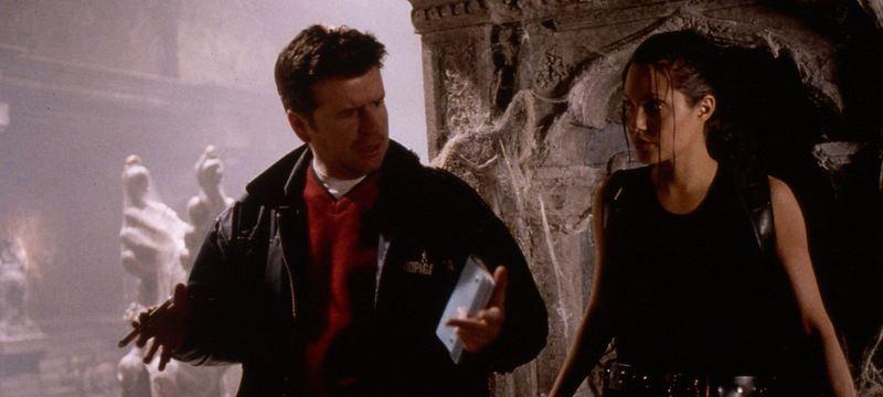 Simon West i Angelina Jolie na snimanju Lare Croft: Tomb Rider