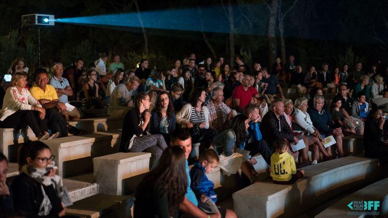 Brač film festival (poziv volonterima) [St]
